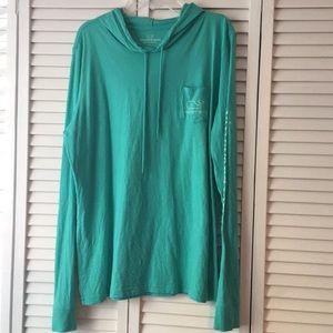 Vineyard Vines hoodie t-shirt